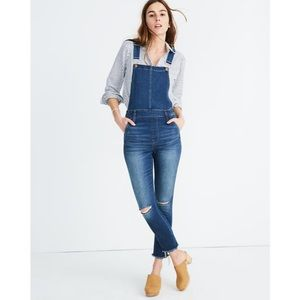 Madewell Jeans Ripped Knee Roadtripper Overalls
